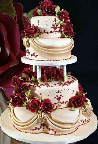 pastel de 15 años blanco con flores