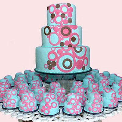 pastel de 15 años con cupcakes
