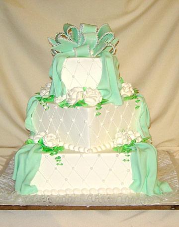 pastel de 15 años verde y blanco