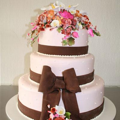 pastel de 15 años chocolate y flores